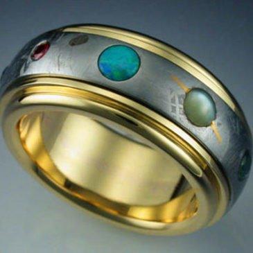 Un anillo compuesto por meteorito