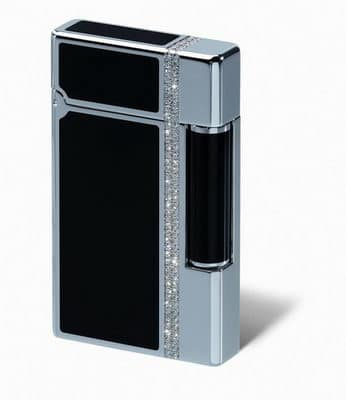 Un encendedor con diamantes