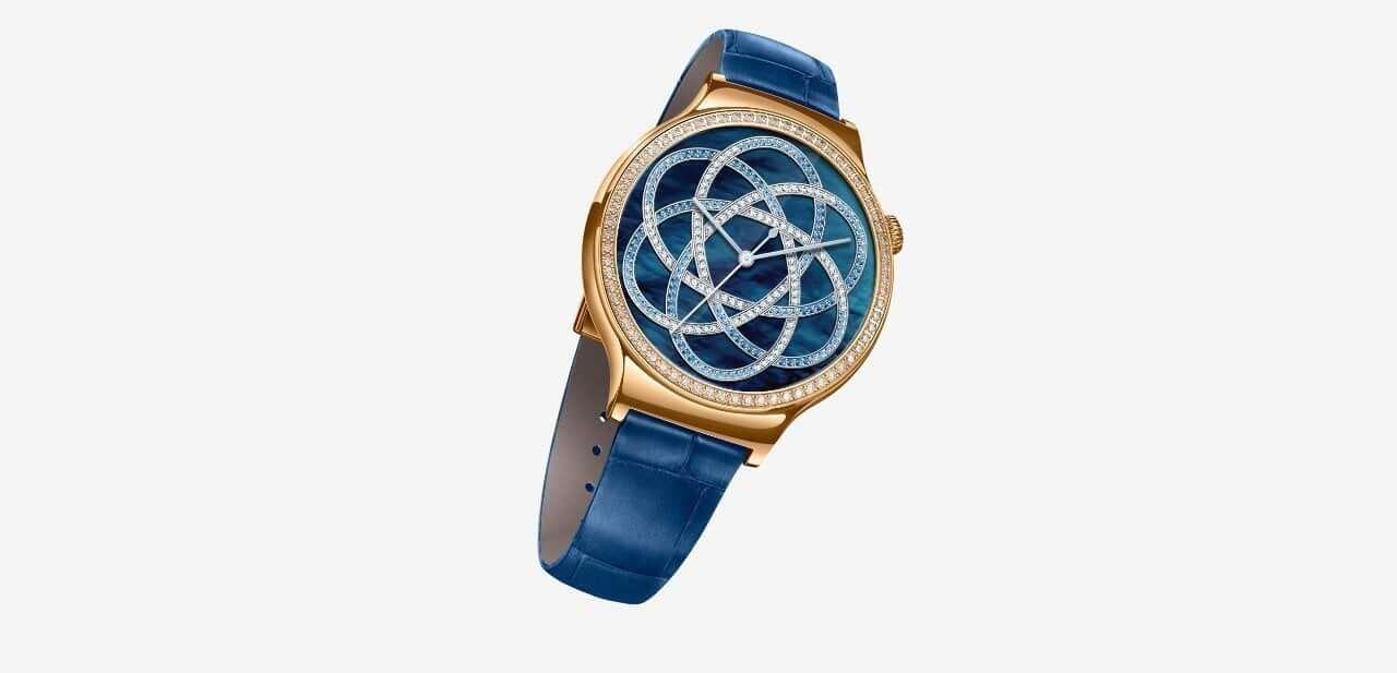 Reloj inteligente cargado del lujo