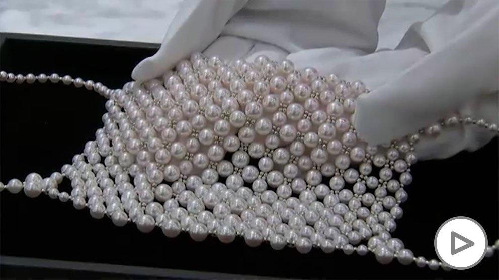 Mascarillas de lujo con diamantes y perlas